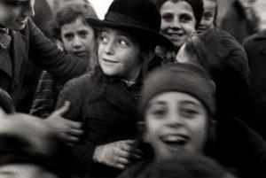 Roman Vishniac, [Jewish schoolchildren, Mukacevo], ca. 1935–38