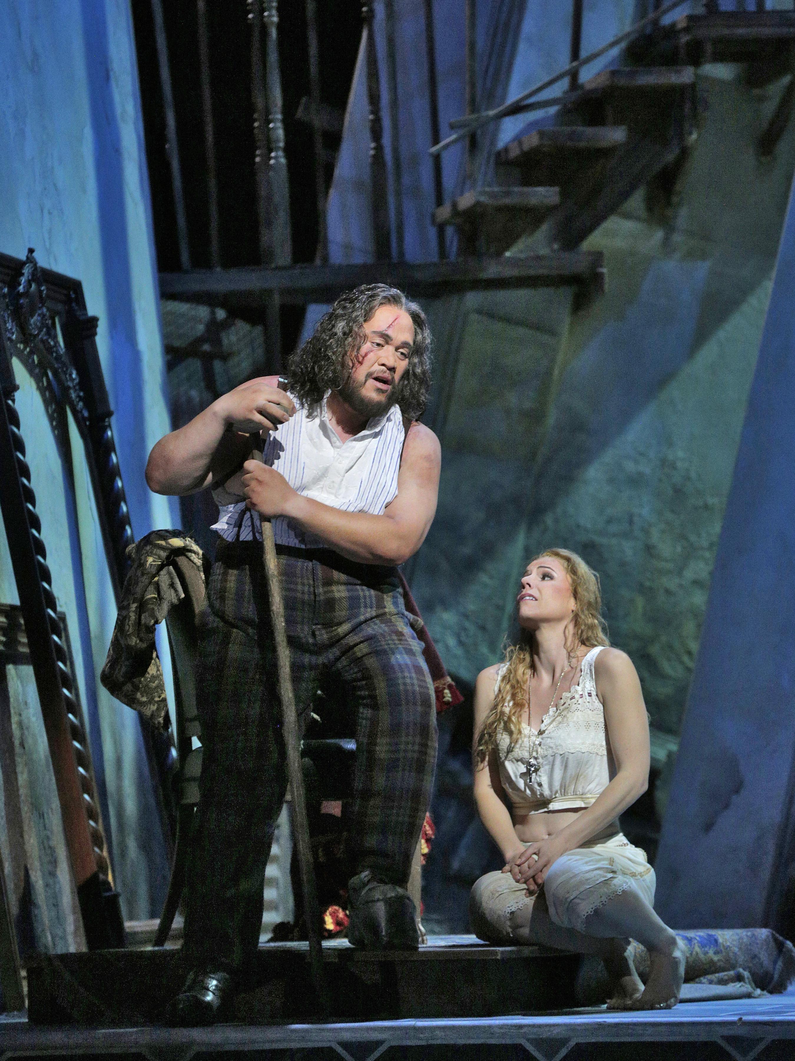 Quinn Kelsey (Rigoletto) and Georgia Jarman (Gilda)