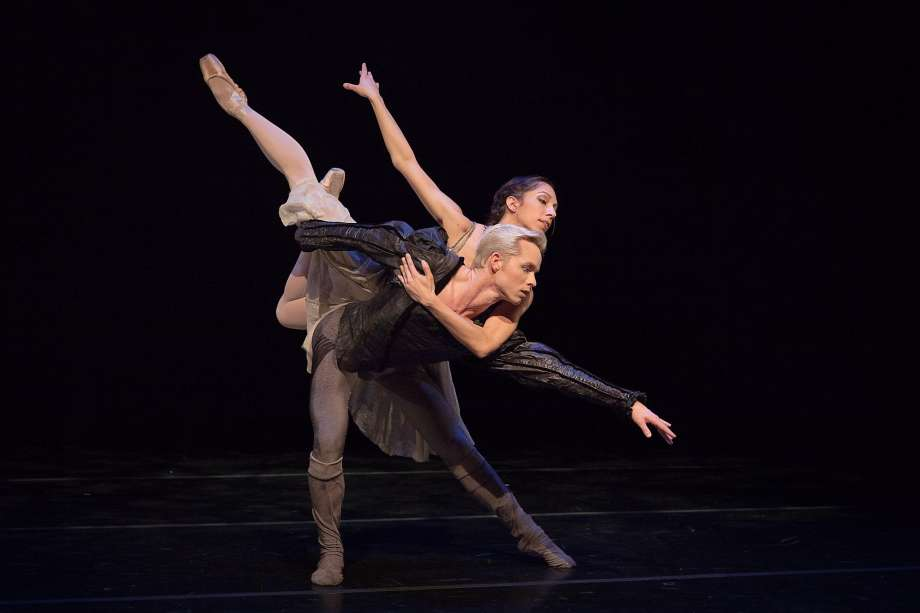 "Amanda Farris and Christian Squires in Val Camiparoli's ""Hamlet and Ophelia"" pas de deux. Photo: Berenger Zyla"