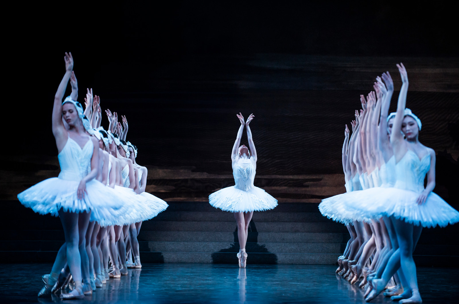Léonore Baulac in Nureyev's Swan Lake. Paris Opera Ballet. Photo by Julien Benhamou.