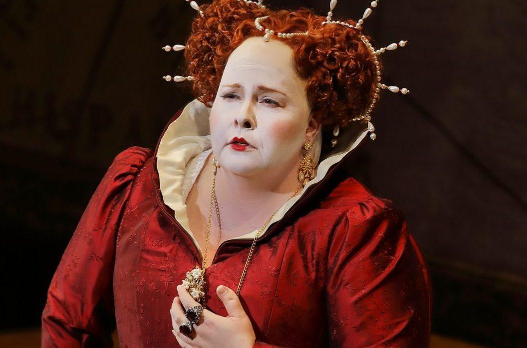 Angela Meade as Queen Elizabeth. Photo: Craig T. Mathew