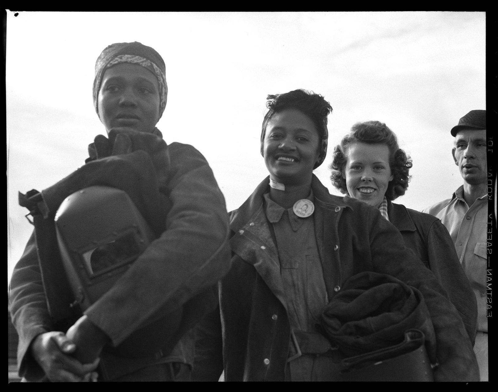 Women line up for paychecks-Richmond Shipyards Richmond, CA, Circa 1942. Dorothea Lange. Digitalized 2019 :Luce Grant