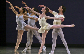 San Francisco Ballet – Reflections, Square Dance, Gross Fuge