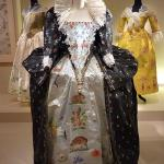Pulp Fashion: Isabelle de Borchgrave, SF